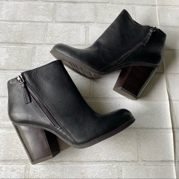 Kenneth Cole Reaction Heeled Ankle Boots Size 8M